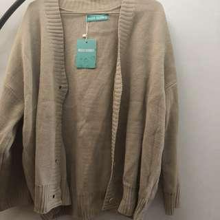 杏白色針織外套