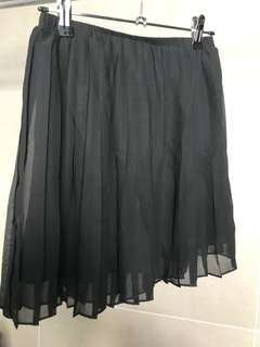 Never worn SPARKLE & FADE black pleated skirt