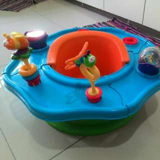 Baby dining seat with toys