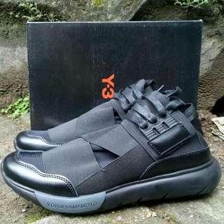 Sepatu Yohjiyamamoto Y3