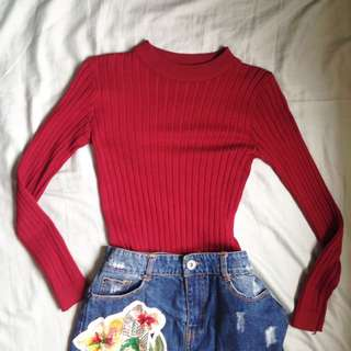 Red sweater long sleeves ribbed #springcleaning