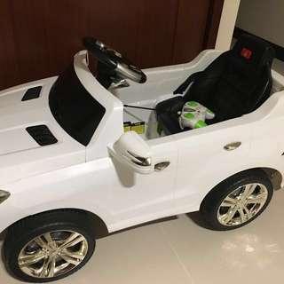 兒童電動四輪車(雙驅,可遙控,高容量電瓶)