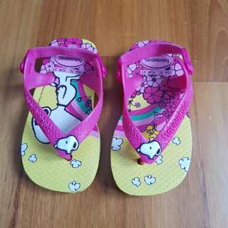 **Reduced**Baby Havaianas Bright Pink Yellow Snoopy Girl Sandal
