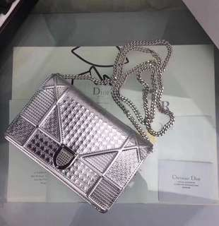 Dior Diorama Wallet on Chain