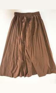 Brown 3/4 pleated skirt