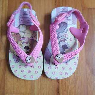 Baby Havaianas Girl Soft Pink Puppies Sandal