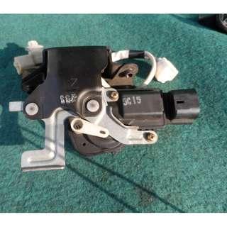 harrier mcu30 boot lid lock