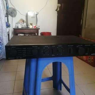 Amplifier audiolab 8000A