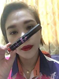 Super silky lip lacquer velvety finish
