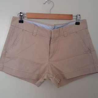 Uniqlo cream shorts