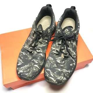 Nike Roshe Run Tiger Camo Print