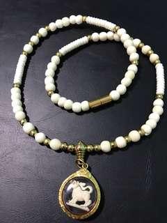 Amulet necklace (W2)