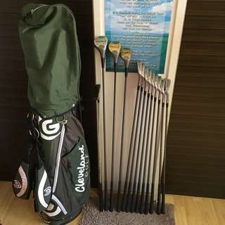 CLEARANCE SALES {Sports Gear - Lady/Beginner Golf Set} Authentic Pre-owned Fairway Brand Classic Golf Set C/W #1Driver, #3, #5Fairway Wood, 3, 4, 5, 6, 7, 8, 9Irons, Pitching, Sand Wedge & Cleveland Stand Golf Bag - Total 13 Pieces
