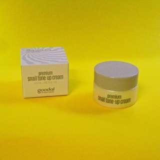 Premium Snail tone-up cream