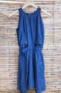 Item 004: cut out dress