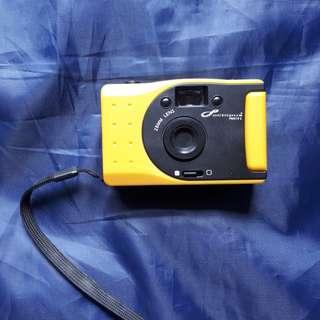 "Kamera Octopus Toycam ""Panorama Mode"" 28 MM Lens warna Kuning (without box)"