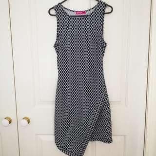 Valleygirl patterned sleeveless dress