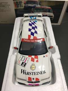 1:18 BMW 320i STW cup 1996 dealer box in very good condition!