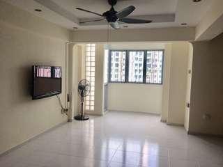 EA Blk 669A Jurong West High floor near MRT