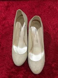 Sepatu Impor Turki