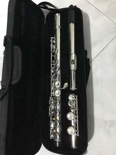 Second hand flute , name a suitable price