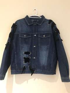 Boohoo - Ribbon Detailed Oversized Denim Jacket