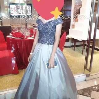 Gown for rent with accessories