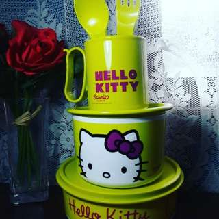 Paket tupperware hellokitty