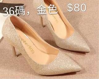 金色高跟鞋
