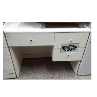 【172二手傢俱】B044二手白色書桌,中古白色書桌,二手家具,中古家具