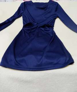 Dark blue party dress with cut out