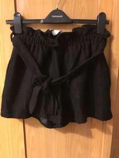 花苞毛料短褲 黑色