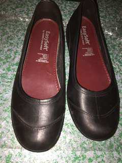 Easy soft world balance black shoes size 35 preloved