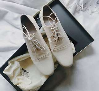 Initial beige / off white / cream canvas Oxford Lace up shoes flats brogues 米白色麻布復古英倫鞋