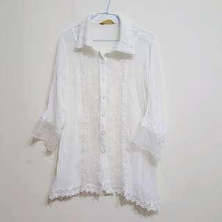 蕾絲襯衫$50
