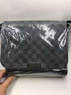 LV 黑格小號側咩袋 25x 23 全新購自歐洲 保證真品