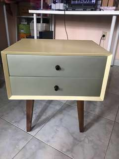 Side Table / Meja Samping