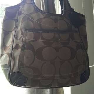 Authentic COACH handbag (REDUCED PRICE RROM RM220)