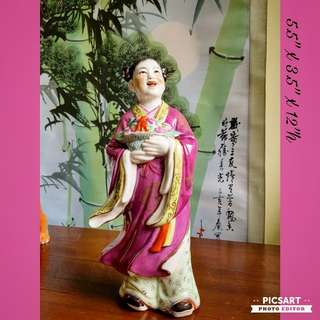 "Vintage Chinese Porcelain figurines of Ancient Fairy carry a basket of Fresh Long Life Peaches.  Dimensions as in photos.  Good condition, no chip no crack. 12"" tall & Big, not small. $18 Clearance offer. Sms 96337309 for fast deal."