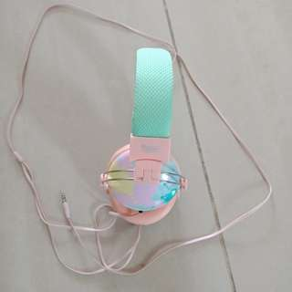 Typo headphone