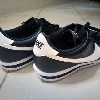 Nike Cortez (m) Size 8.5 US