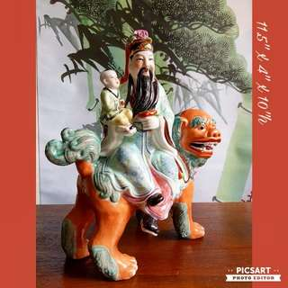 Vintage Chinese Hand-made Porcelain figurines of Ancient Fairy carry a Little Boy and Riding on Auspicious Kirin (Signify Prosperity/Blessings). Size as in photos.  Good condition, no chip no crack. Big, not small. $28 offer. Sms 96337309 for fast deal.