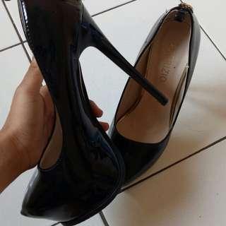Heels tinggi 15cm