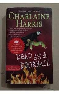 CHARLAINE HARRIS Dead as a Doormail