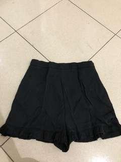 Zara ruffle short