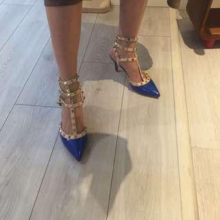 鉚釘三環寶藍色尖頭高跟鞋