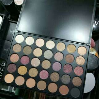 Morphe 35F-fall into frost palette