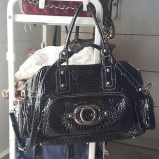 Authentic GUESS XXL handbag (REDUCED PRICE from RM170 )