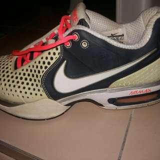 Nike AirMax (reduced)