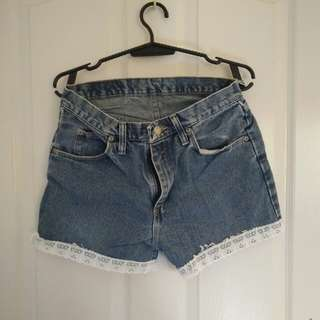 Denim short with lace